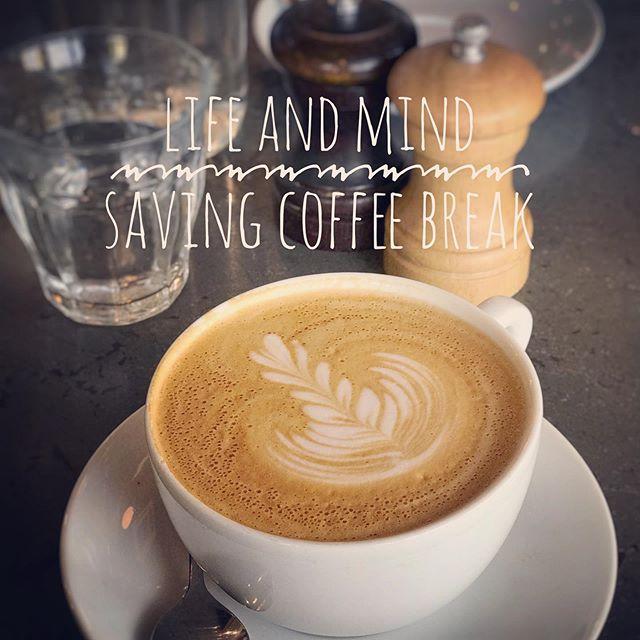 忙しい時ほど大事♪ 超忙しくて頭がパニックになりそうなところなのに、断らずにパートナーとコーヒブレークする時間を取った、機嫌よくリラックスできた自分を褒める。 (Instagram)